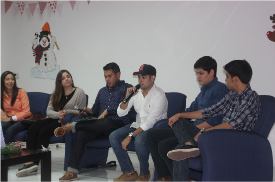 Visita de ex alumnos
