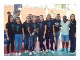 Jugadores del Equipo Dorados entregan Trofeos