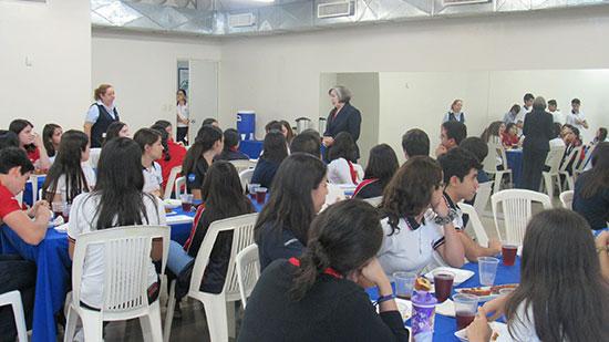 Desayuno para alumnos destacados de Prepa